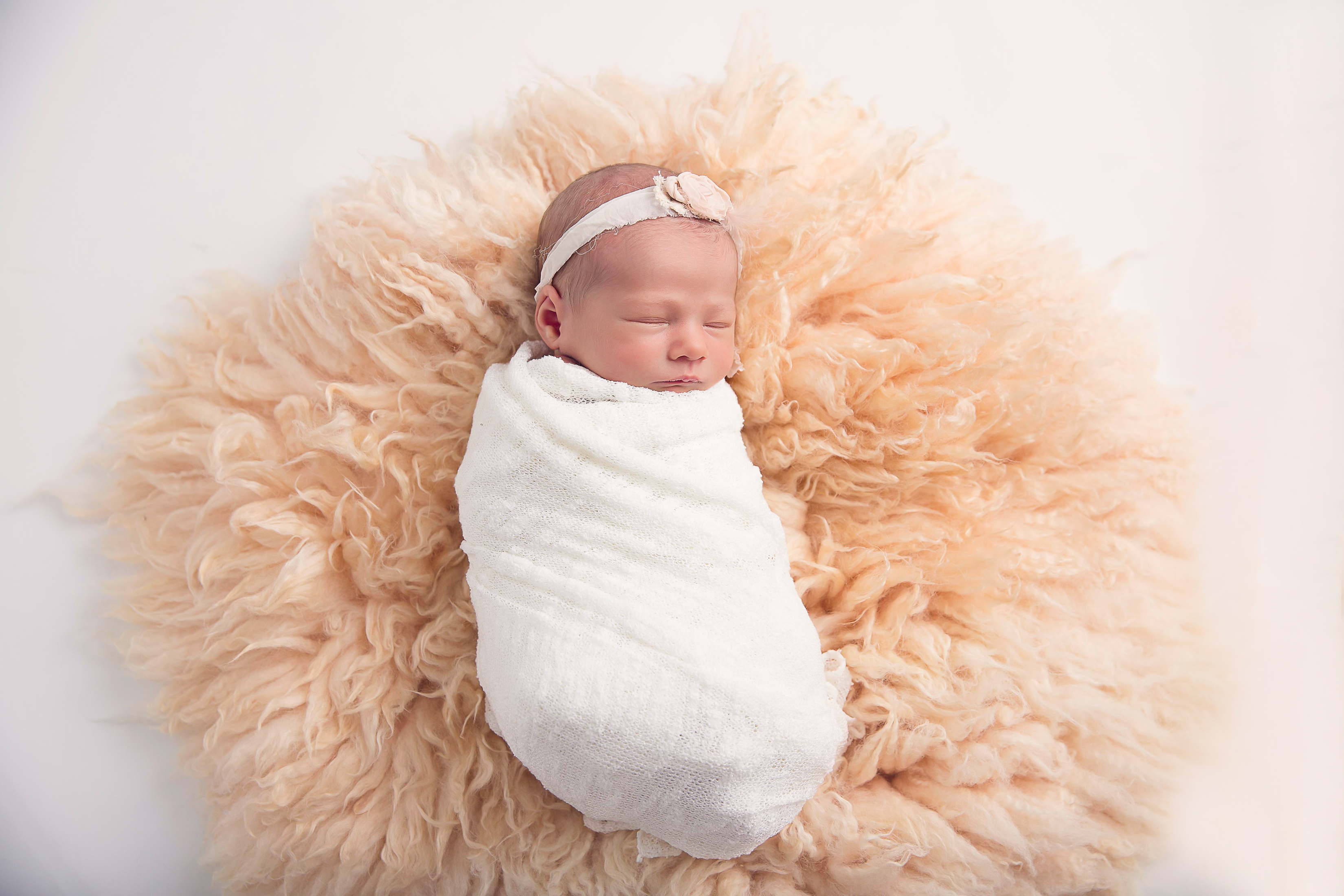 EverleeFoxNewborn53BellaFaithPhotography