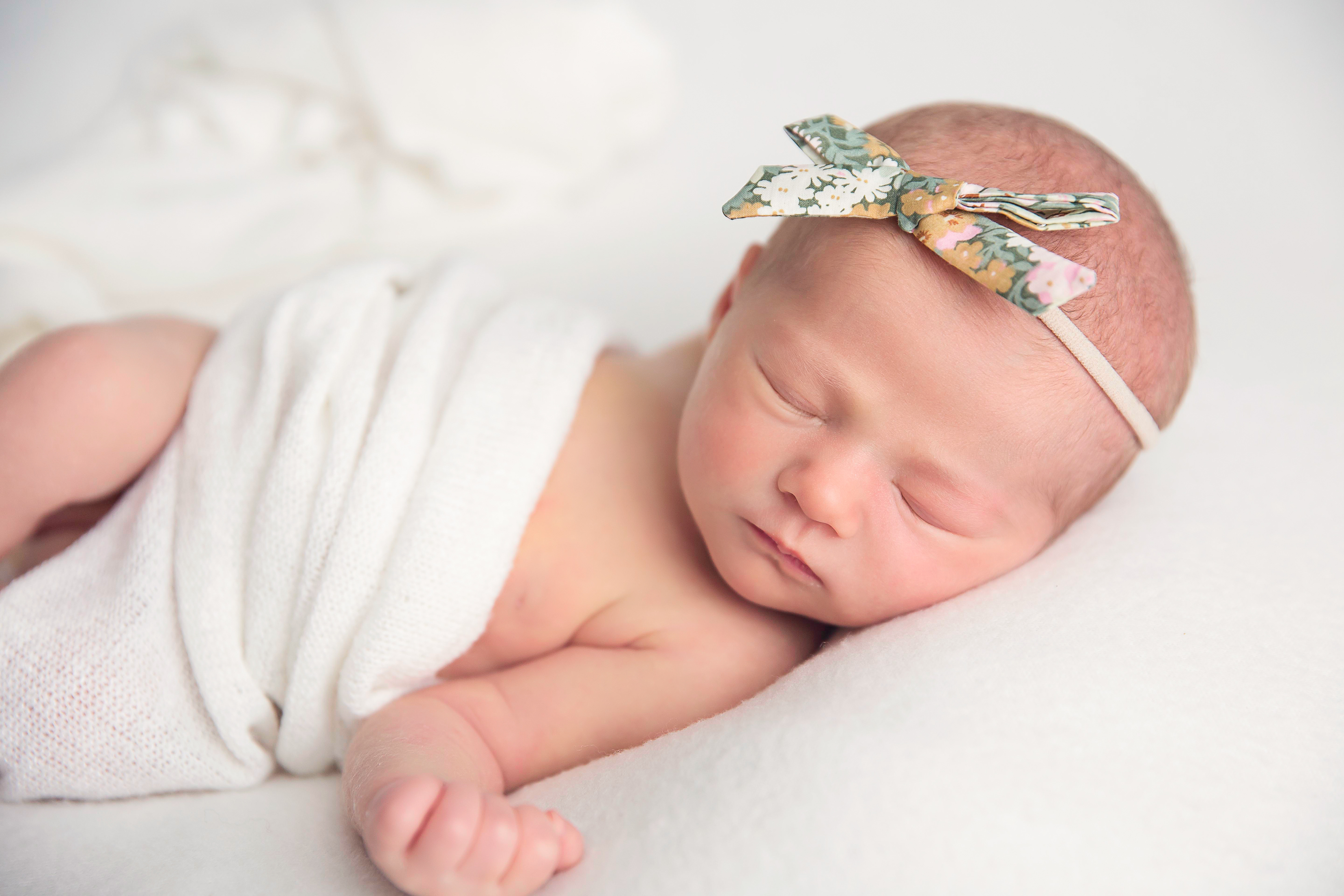 EverleeFoxNewborn69BellaFaithPhotography